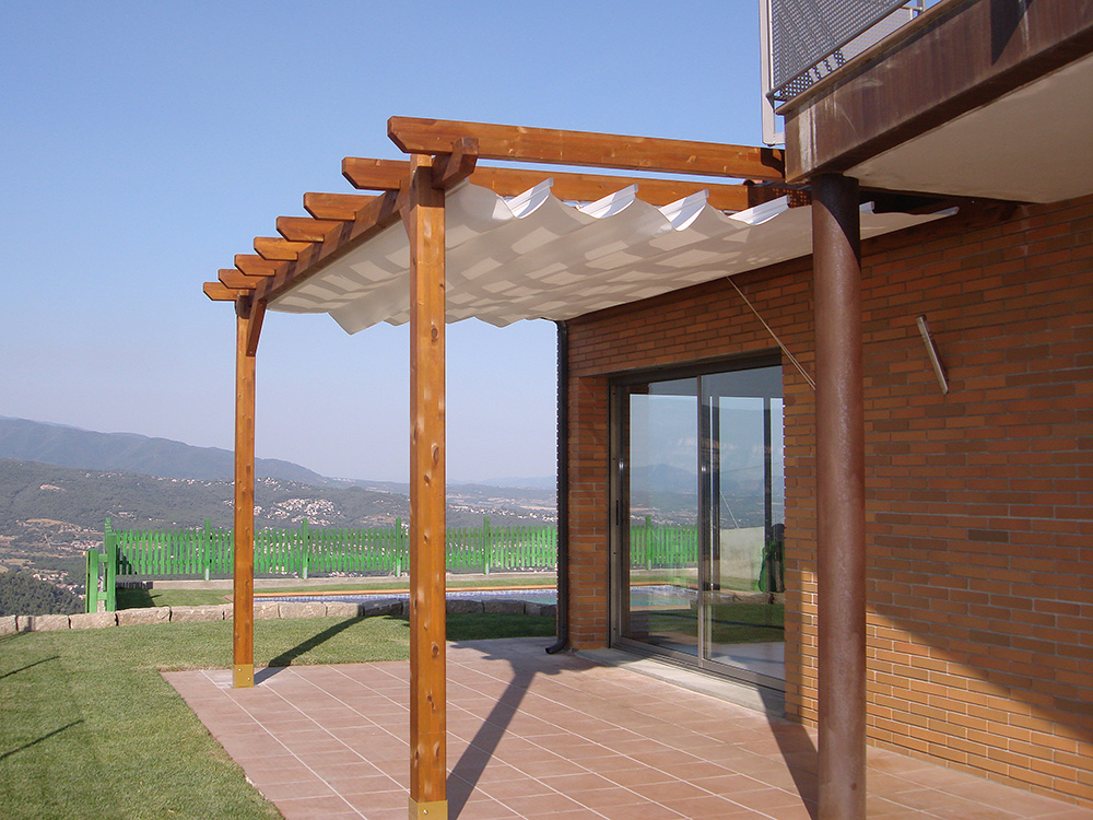 P rgolas y porches de madera speedgrass - Lamparas para porches ...